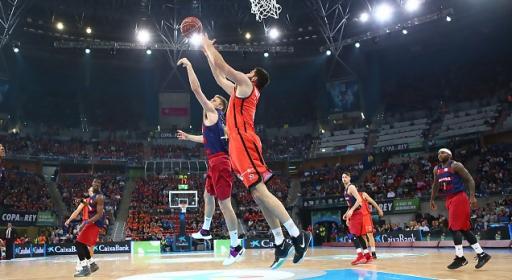 Гледайте на живо СЕГА с BGbasket.com Везенков и Барселона срещу Валенсия