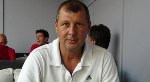 Петко Делев прописа поезия, стартира блог в BGbasket.com