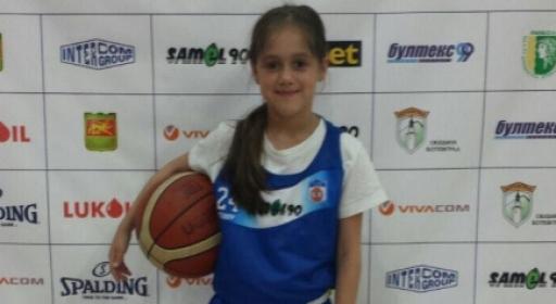 Дъщерята на Йордан Бозов тръгна по неговите стъпки (Снимки)