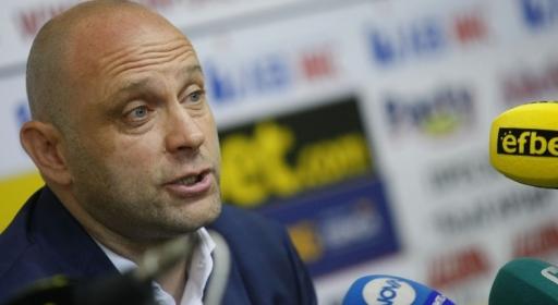 Тити Папазов се завръща на треньорския пост в Левски