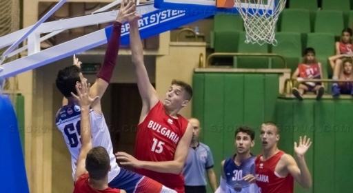 Константин Костадинов дебютира за България