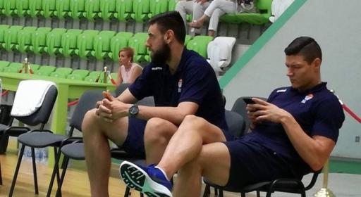 Вангелов и Стоянов останаха извън групата за мача с Португалия