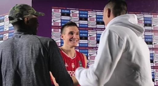 Йордан Минчев подкрепи съотборниците си Богданович и Датоме