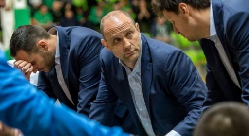Тити Папазов наказан, няма да води Левски в мача с Лукойл