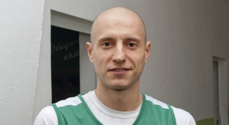 Александър Груев дебютира за Академик Бултекс 99 днес