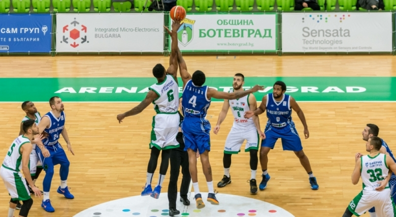 Балкан спечели дербито на върха след драма в Ботевград