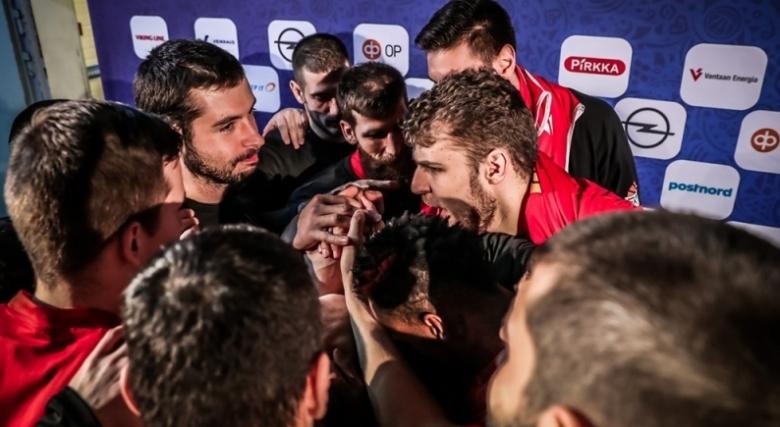 България падна с едно място в ранглистата на ФИБА