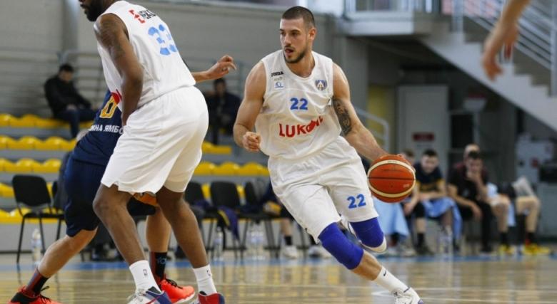 Левски Лукойл мина през Ямбол за шест поред