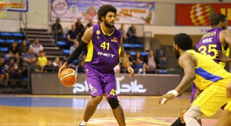 Скандал в Израел, екс-НБА играч се сби с национал