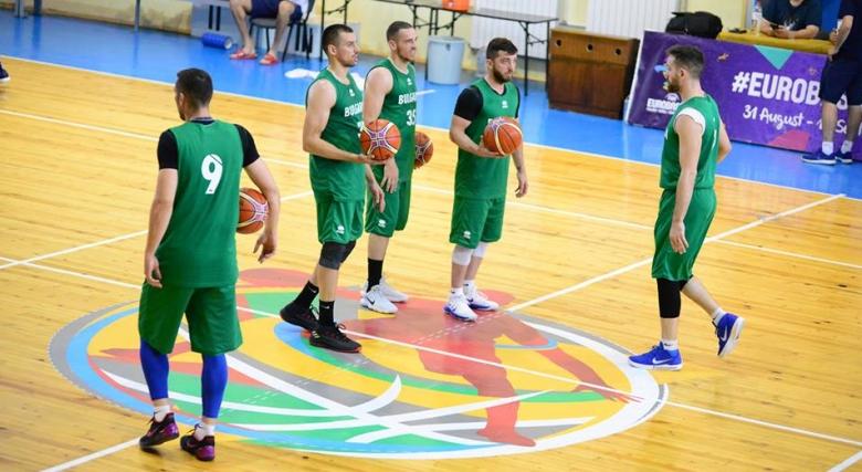 Снимки от подготовката на мъжкия национален отбор