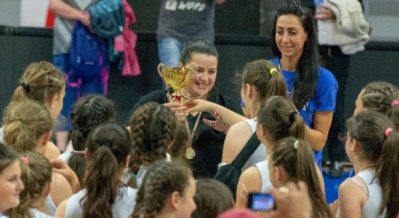 Крайно класиране на финалите за момичета U12