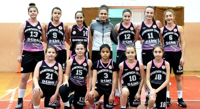 Шампион 2006 завърши трети при момичетата U14
