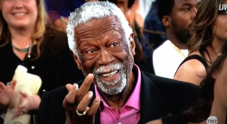 Среден пръст и за Винс Картър (видео)
