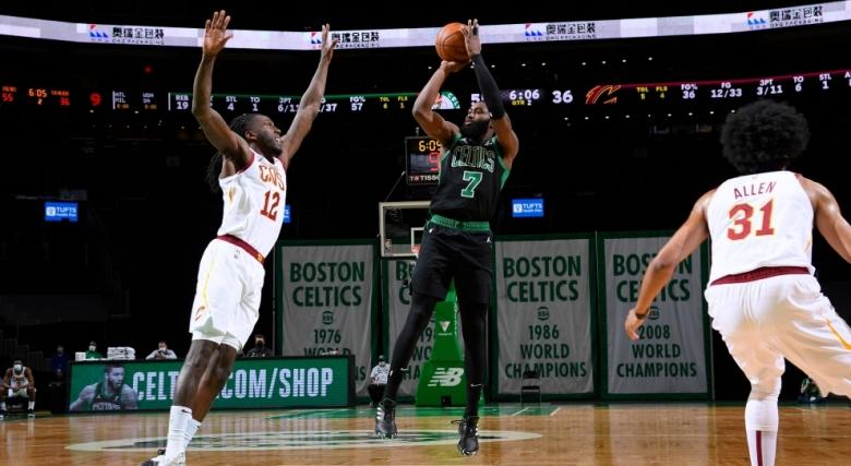 Бостън отнесе Кливланд, седем поред за Клипърс