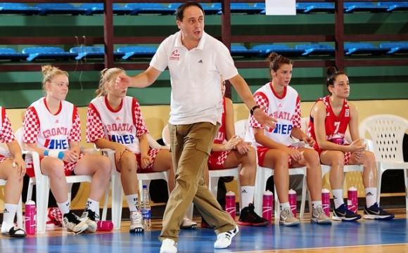 Съперник на България смени треньора си преди квалификациите
