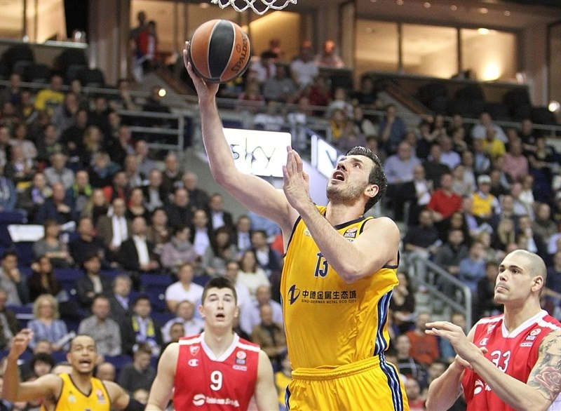 ALBA Berlin holds off Zvezda for valuable victory