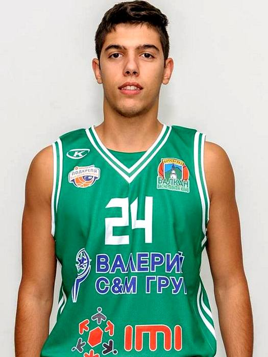 Здравко Христов ще играе в Балкан още два сезона