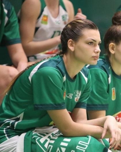Александра Петрова продължава в столичен тим