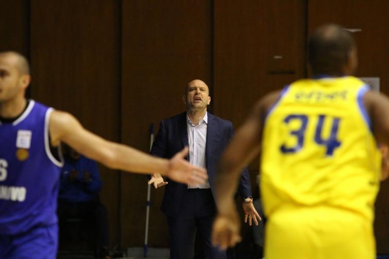 Тити Папазов: Следващият, който ми отговори на забележка, си заминава