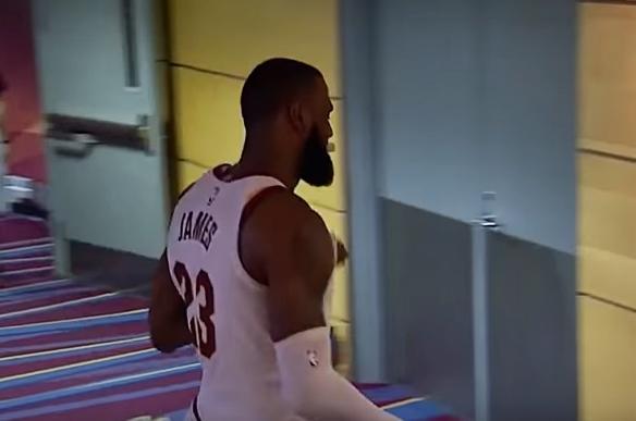 Първият рефер, изгонил ЛеБрон в НБА, обясни защо