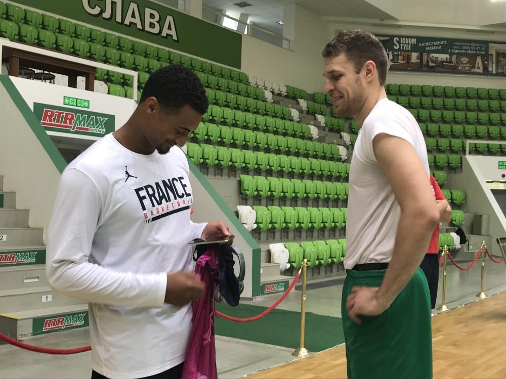 Познати физиономии на тренировките на България и Франция