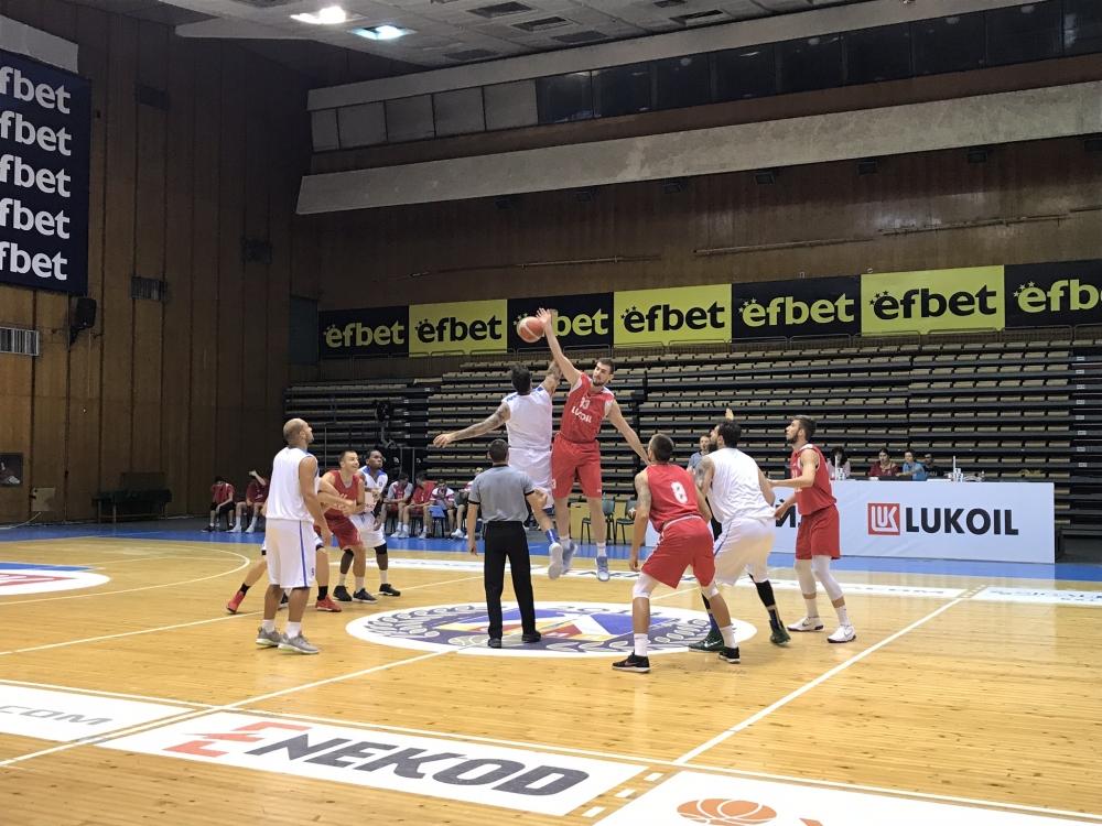 Левски Лукойл тества и последния нов в победа над Академик