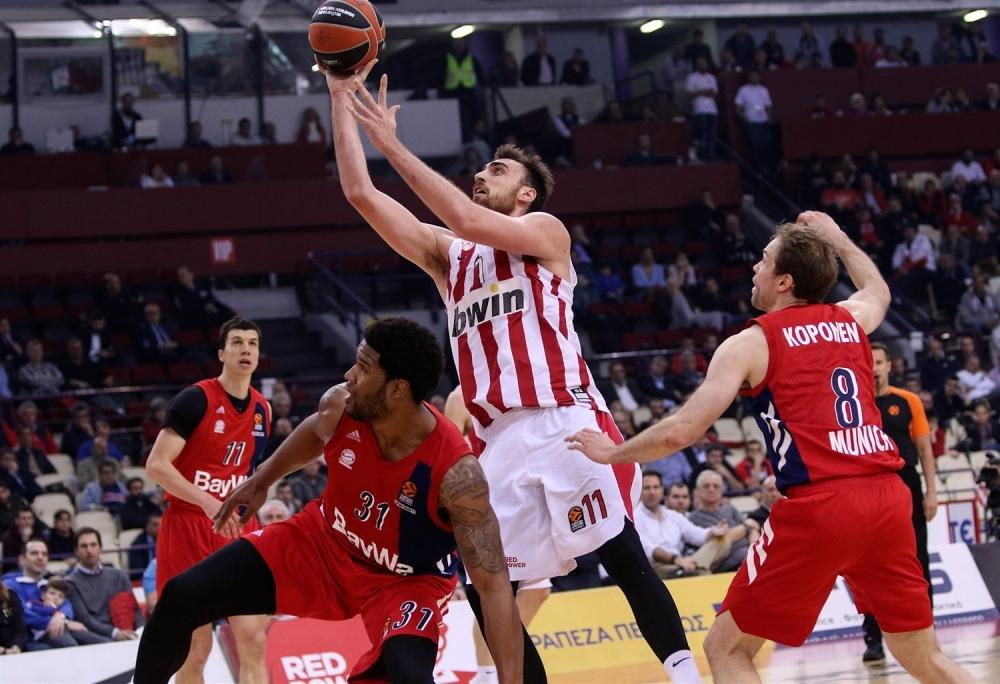Олимпиакос влезе в правия път към плейофите в Евролигата