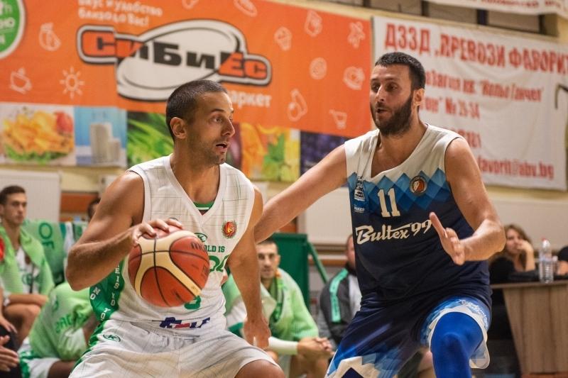 Тенчо Тенчев е MVP на първия кръг след 9 тройки
