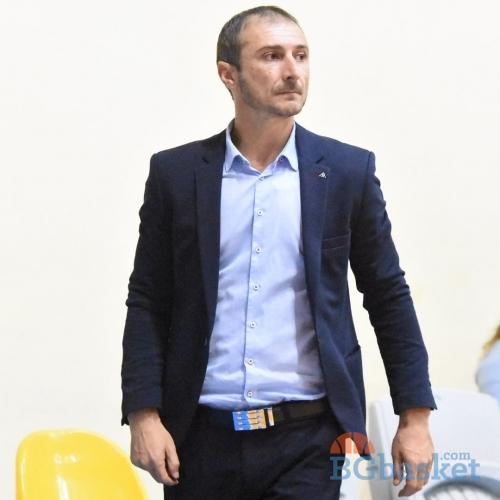 Асен Николов: Измъкнахме се добре от сгъстения цикъл от мачове