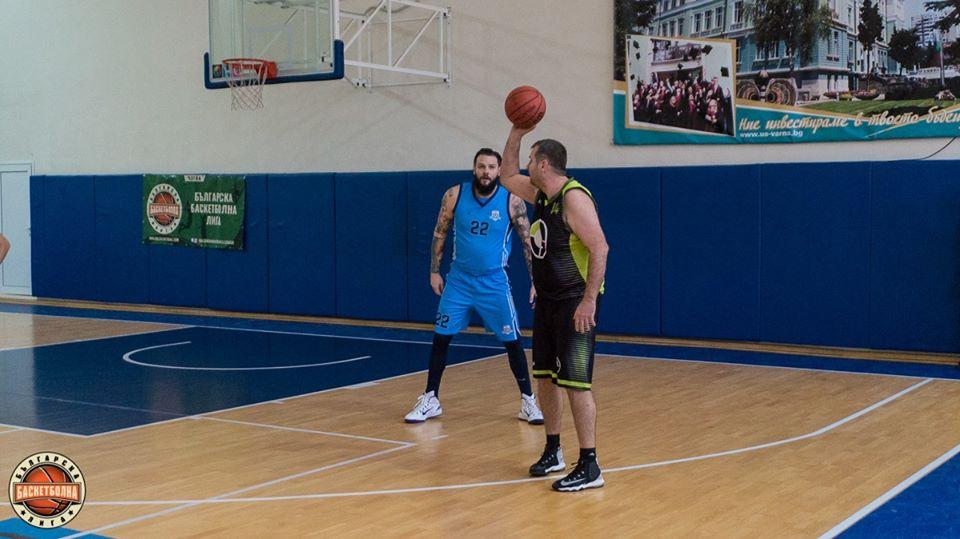 Деян и Калоян Иванови подсилиха отбор от аматьорска лига