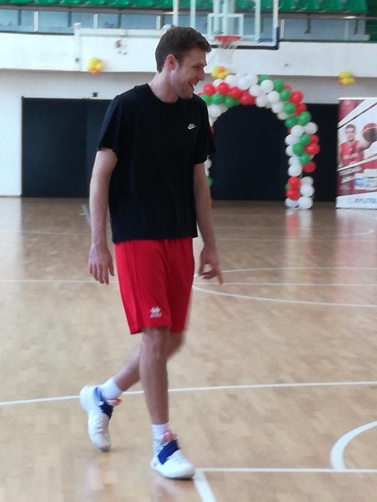 Александър Везенков: Не ми е проблем да си спечеля мястото в отбора