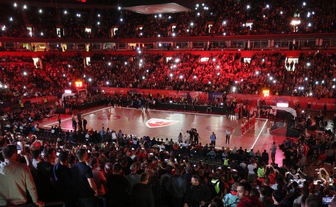 Цървена звезда шокира Фенербахче пред почти 17 000 в Белград