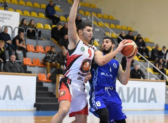 Баскетболист на Черноморец аут за дълго