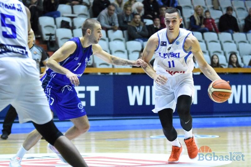 Левски продължи победната серия с рутинен успех над Черноморец