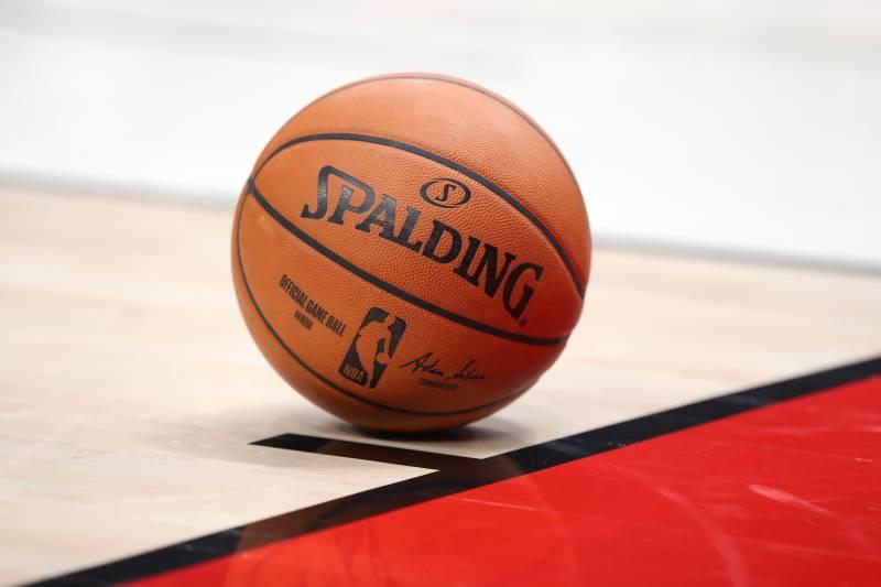 НБА сменя топката след 37 години със Сполдинг