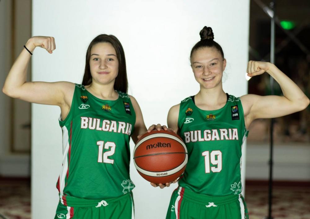 Официална фотосесия на националния отбор за девойки U18