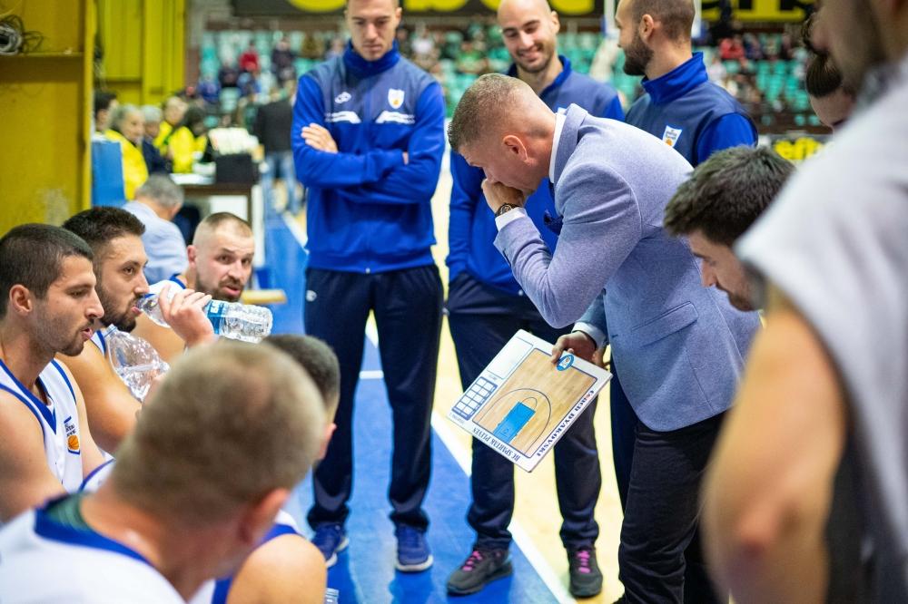 Александър Дяковски: Малко са нещата, от които съм доволен в този мач