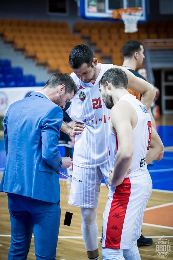 Драматичен край на сезона за Янев и Бърно
