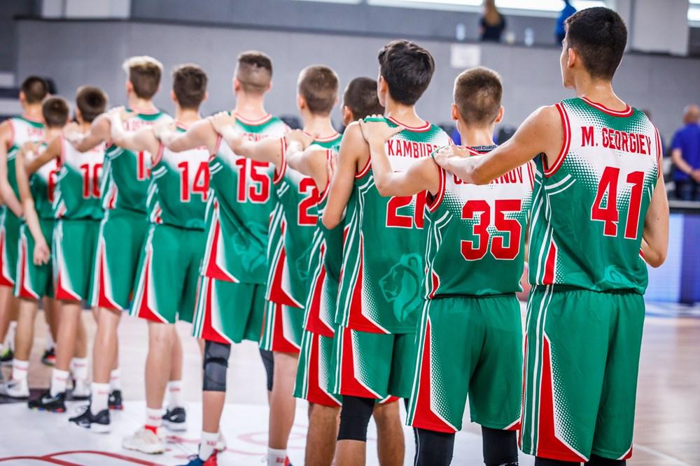 България U17 вкара 96 на Шумен