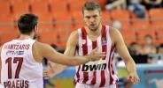 Отличен Везенков даде победен старт на Олимпиакос в Крит
