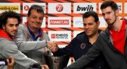 Треньорът на Анадолу Ефес никога не е губил европейски финал