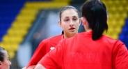 Жаклин Златанова отново ще играе в България