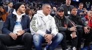 Футболисти на ПСЖ гледаха Янис и компания в Париж