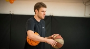 Везенков вкара 98 тройки на тренировка (видео)