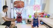 Дете на 2 години стана сензация в Китай с баскетболните си умения (видео)
