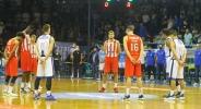 Олимпиакос е четвъртфиналист за Купата след нов силен мач на Везенков